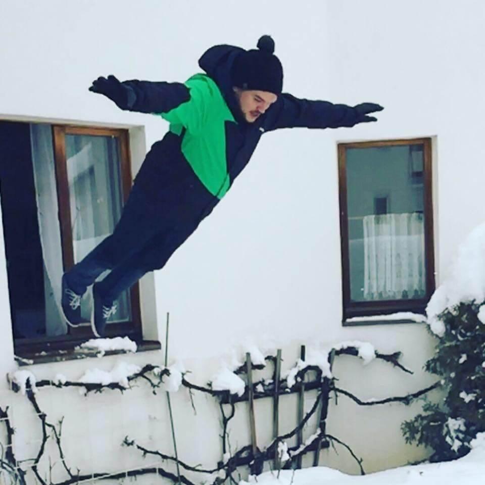 img-Mitch-Snow-Jump